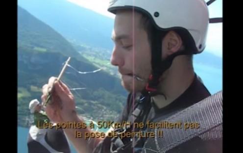 Une vidéo de 2007 en guise de bonus… dommage. Surtout que la vidéo originale visible sur Internet n'a pas de soucis de son